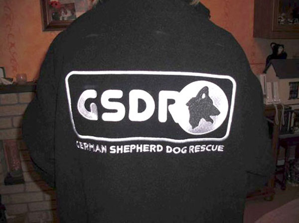 gsdr fleece with large logo on back