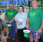 gsdr volunteers fundraising at pets at home